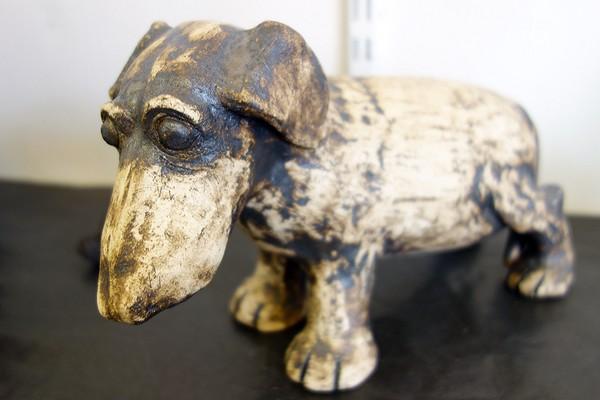 Keramikhund. Maria Riseby, Orsa keramikkollektiv
