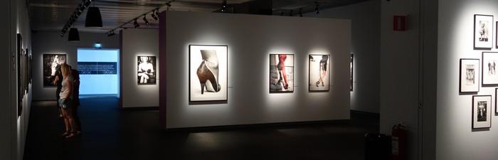 Utställning på Fotografiska museet 2013 med bilder av Helmut Newton
