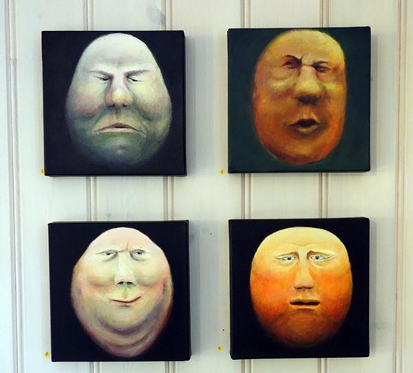 Nunor med miner. Målningar av Clara Waller visade på Berga Kulturkapell 2013